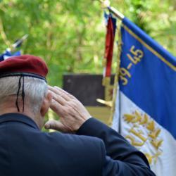 Tribute commemoration war normandy soldier military battle memorial 611922